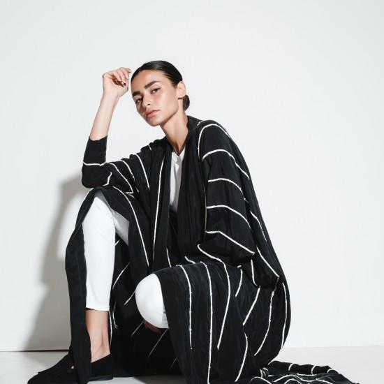 Black & White ll / 002